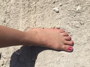 essential oils for dry feet