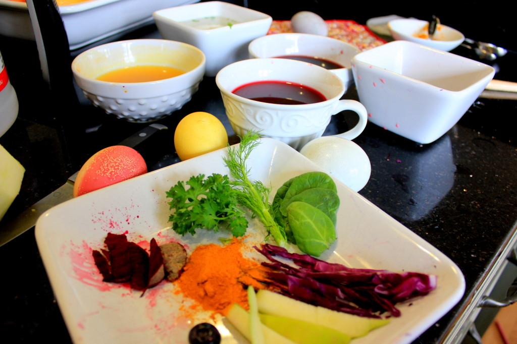 Color your eggs with juice from fruits and vegetables