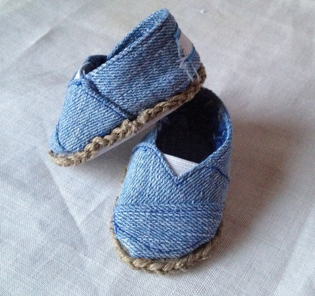 TOMS style shoes for American Girl Dolls
